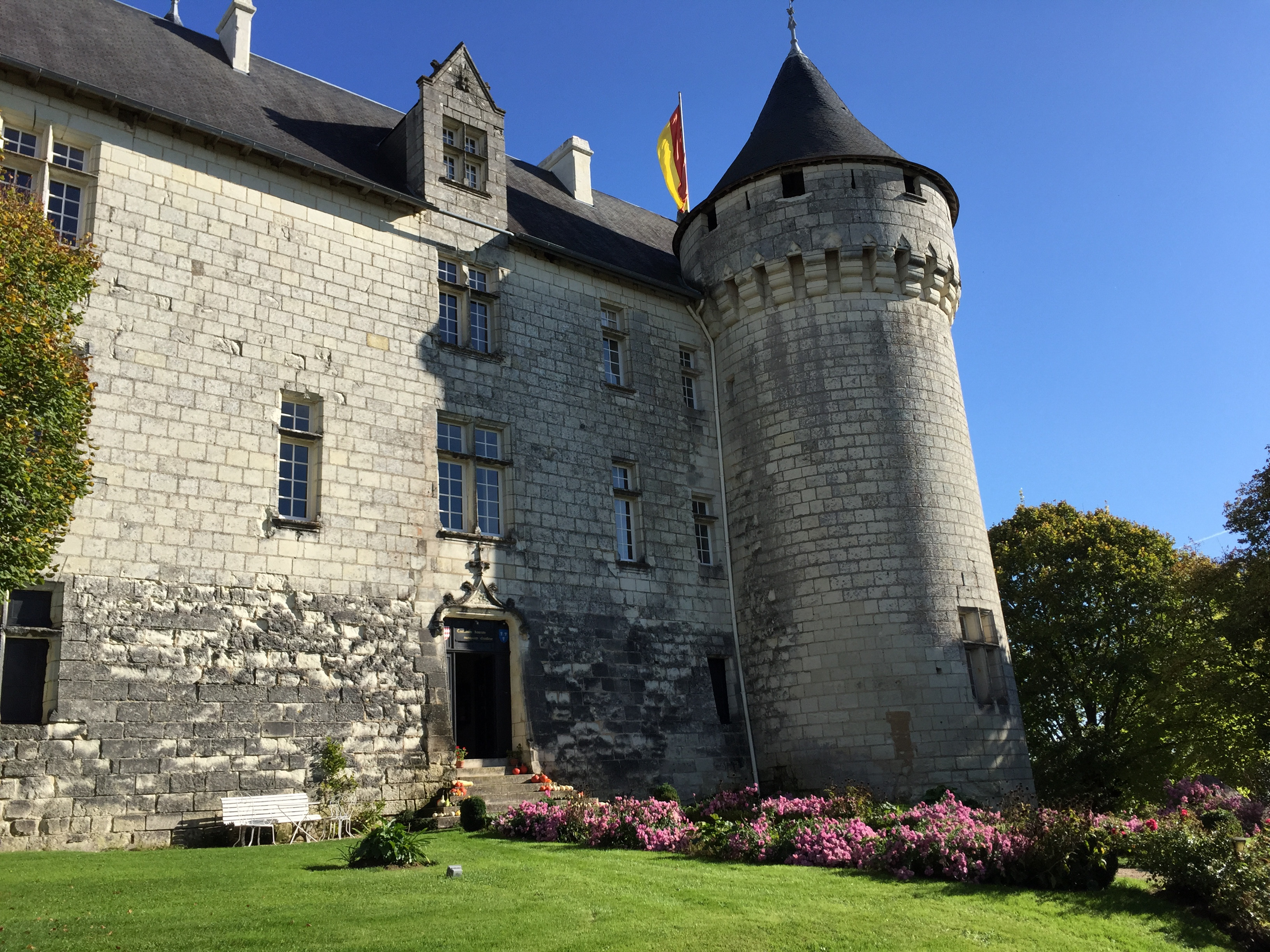 Sleeping Over In A French Chateau What You Need To Know